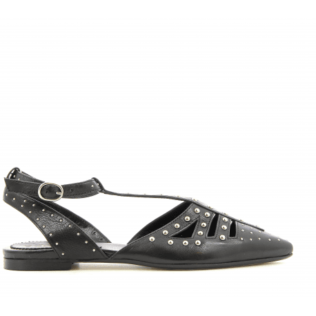 Ballerines Pointues Cloutees En Cuir Noir 4606 Garrice Collection