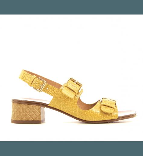 Sandales à petits talons jaune moutarde Chie Mihara - QUERINA