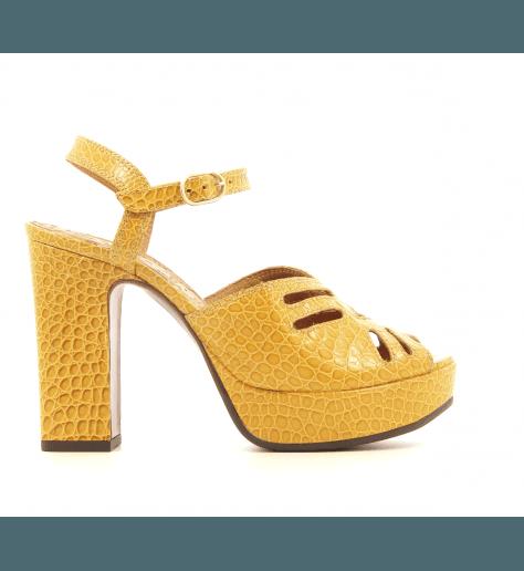 Sandales à talon et patin épais en cuir estampillé jaune moutarde CHIE MIHARA - FAYNA
