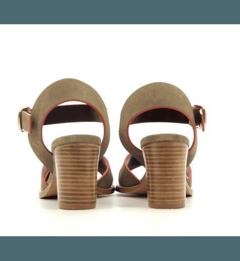 Sandales à talons en veau velours kaki  Avril Gau - COQUILLE C2NK