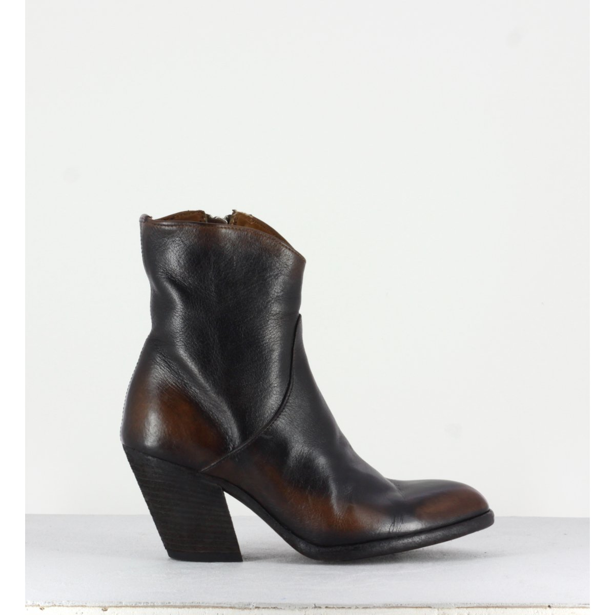Bottines à talon en cuir tie and die marron Officine Creative  - DERNIERE 001