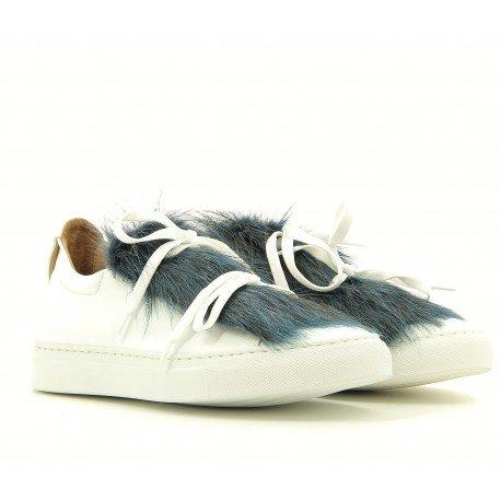 Sneakers ou baskets plates blanches et fourrure bleu vert - Marco Lagana