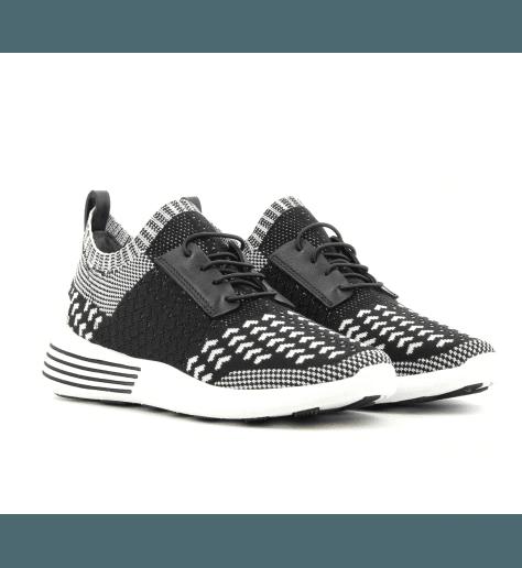 Sneakers en textil elastiqué noir et blanc  BRANDY - Kendall+Kylie