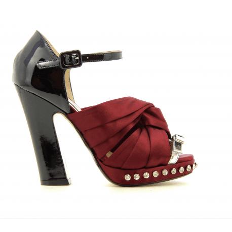 Sandales bicolores noir et bordeaux 8606 - N21 shoes