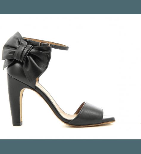Sandales noir en cuir avec Noeud TALAZO - Chie Mihara