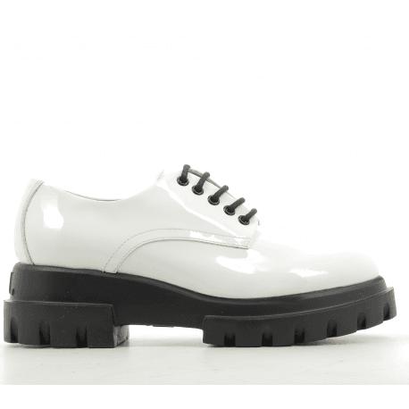 Derbies à semelle épaisse noir et cuir verni blanc AGL- D756002