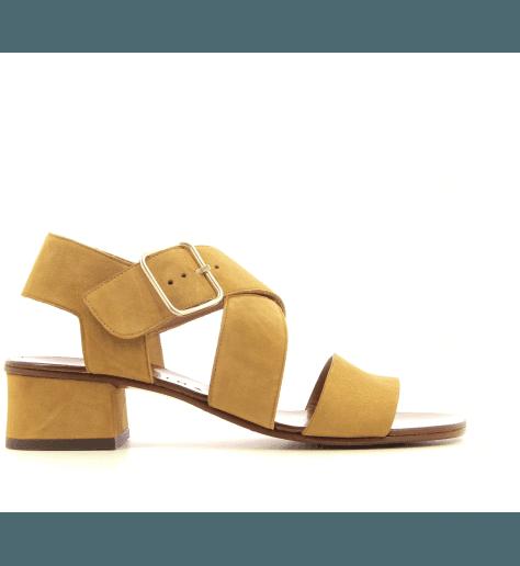 Sandales à petits talons camel Chie Mihara - ISRAEL34