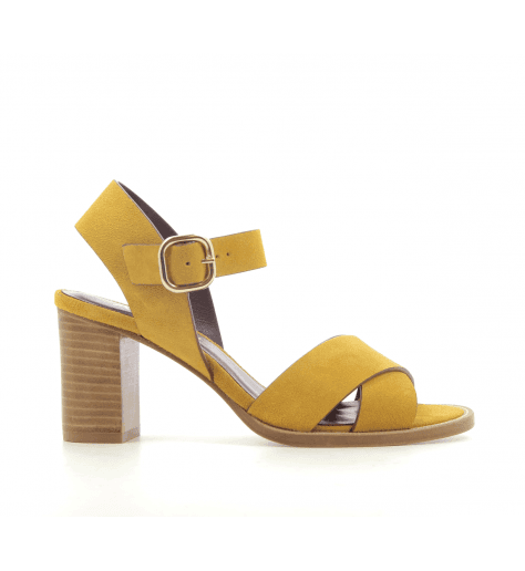 Sandales à talons en veau velours jaune moutarde Avril Gau - COQUILLE C2N